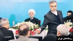 حسین فریدون، برادر حسن روحانی و دستیار ویژه او است. او حتی در مذاکرات هستهای نیز حضور داشت