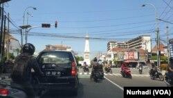 Lalu lintas mulai ramai kembali di sebagian sudut kota Yogyakarta. (Foto: VOA/Nurhadi)