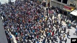 Εισβολή δυνάμεων ασφάλειας της Συρίας και σε άλλες πόλεις