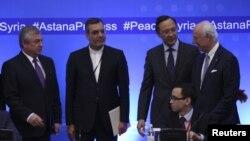 4일 카자흐스탄 아스타나에서 러시아와 이란, 카자흐스탄, 유엔 대표중이 참석한 시리아 사태 대책 회의가 열렸다.