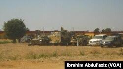 Kendaraan militer yang berhasil dirampas dari militan Boko Haram di kota Bama (foto: dok).