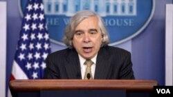ارنست مونز وزیر انرژ ایالات متحدۀ امریکا و مذاکره کنندۀ ارشد در مذاکرات ذروی ایران