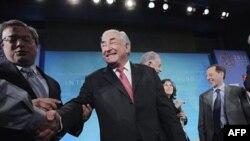 Shtraus-Khan: Rritja ekonomike nuk mjafton për të kapërcyer krizën