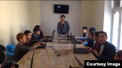 """""""Shafqat"""" ta'lim markazida komputer darsi"""