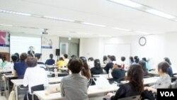지난 16일 서울 종로구 '새롭고 하나된 조국' 사무실에서 통일 코디네이터 양성과정 교육이 진행 중이다.