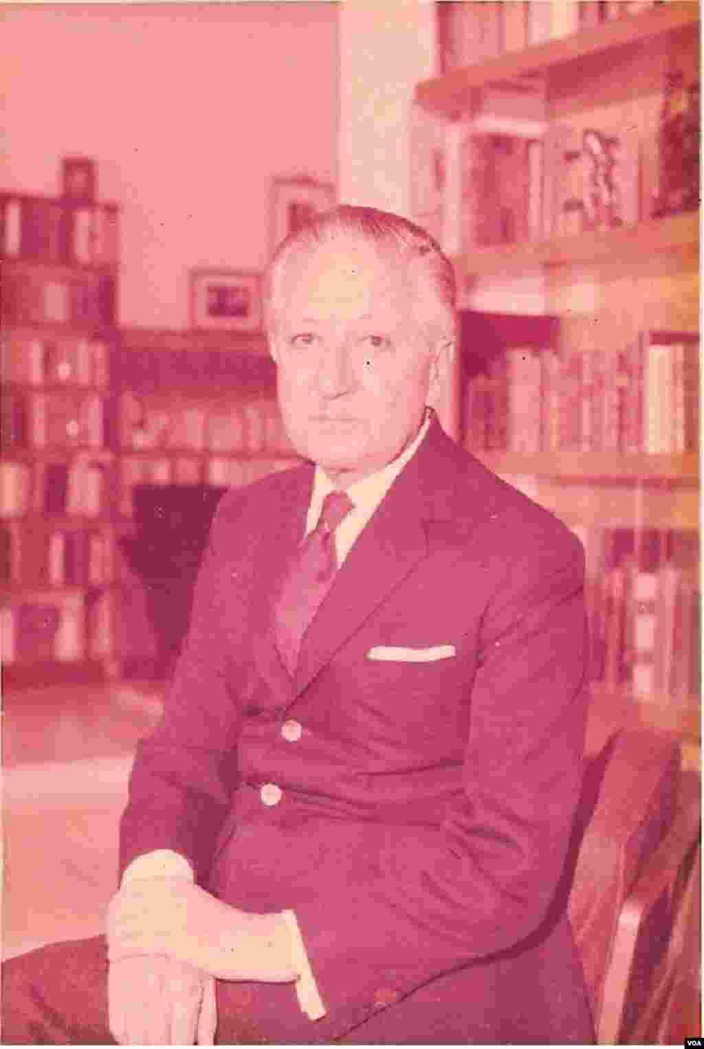 نصرالله انتظام، معاون حزب رستاخیز- ۱۹۷۷