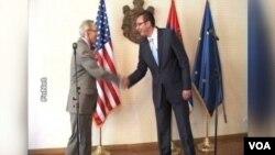 Američki ambasador u Srbiji, Majkl Kirbi i premijer Srbije, Aleksandar Vučić (arhiva)