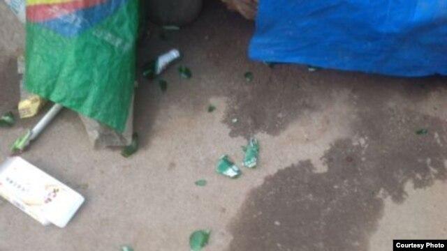 陈光福家中被扔掷啤酒瓶子 (陈光福微博图片)