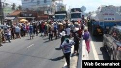 Người dân Cam Ranh chặn xe tại Quốc lộ 1A.