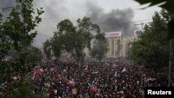 ChileManifestantes protestan contra el gobierno de Chile en Santiago, Chile, el viernes.