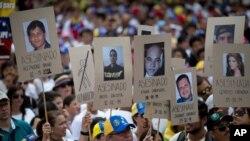 Cuarenta y tres personas perdieron la vida durante las protestas contra el gobierno de Maduro.