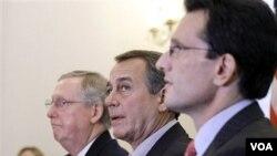 Los republicanos insisten en rebajar los impuestos también a los de mayores ingresos.