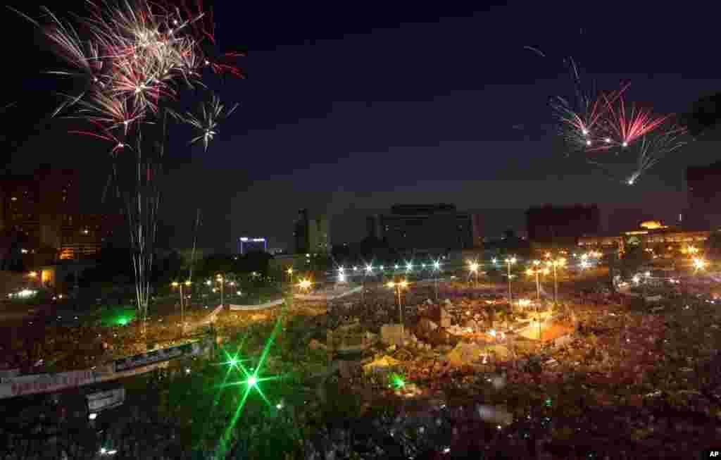 Opponents of Egypt's ousted President Mohamed Morsi rally in Tahrir Square in Cairo, Egypt, July 7, 2013.