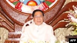 Chủ tịch Lào Choumaly Sayasone