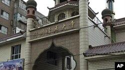 یک مسجد مسلمانان اویغور در سین کیانگ چین