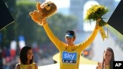 Tay đua Bradley Wiggins giành chức vô địch Tour de France năm 2012