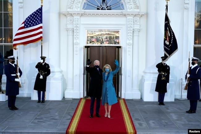 Tổng thống Joe Biden và phu nhân đến Nhà Trắng sau lễ nhậm chức, 20/1/2021