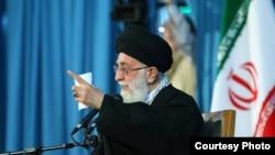 Ayatolá Ali Khamenei, líder supremo de Irán.