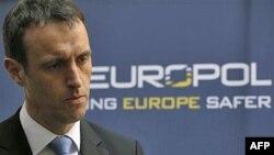 Giám đốc Europol Rob Wainwright nói đường giây ấu dâm boylover.net có lẽ là mạng lưới ấu dâm trên mạng lớn nhất thế giới