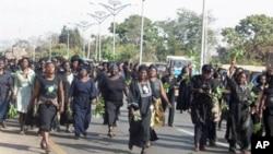 Des femmes protestent contre la violence à Jos, Nigéria (janvier 2011)