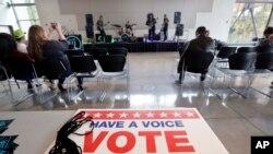 انتخابات میاندورهای در برخی ایالات ها و مناطق آمریکا شروع شده است.