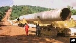 Pipa-pipa minyak dan gas akan dipasang dari pantai barat Burma sampai ke perbatasan timur laut dan masuk ke Tiongkok yang sangat membutuhkan energi (foto: dok.).