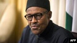 ປະທານາທິບໍດີ ໄນຈີເຣຍ ທ່ານ Muhammadu Buhari ໃຫ້ການສຳພາດຕໍ່ອົງການຂ່າວຝຣັ່ງ ຢູ່ທີ່ໂຮງແຮມທີ່ທ່ານພັກ ໃນລະຫວ່າງກອງປະຊຸມໃຫຍ່ ອາຟຣິກ ຄັ້ງທີ 25.