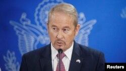 Ronald Johnson, embajador de EE.UU. en El Salvador habla en exclusiva con la Voz de América.