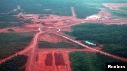Mining operations can be seen at the Rio Tinto alumina refinery and bauxite mine in Gove, also known as Nhulunbuy, located 650 kilometers (404 miles) east of Darwin in Australia's Northern Territory, July 21, 2013.