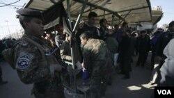 Pasukan keamanan Irak melakukan penjagaan keamanan (foto: dok.)