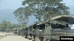 ကခ်င္ျပည္နယ္ထဲ၀င္ေရာက္လာတဲ့ ျမန္မာ စစ္ကားတန္း ( ဓာတ္ပံု - Kachin News Agency)