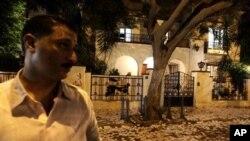 埃及示威者破壞沙菲克競選總部後的情況