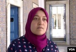 Ennahda lawmaker Sayida Ounissi at the Tunisian parliament. (L. Bryant/VOA)