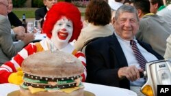 """La Portavoz de la cadena de comida rápida McDonald's aseguró que Delligatti fue uno de los primeros en dirigir un local de la franquicia de la compañía fundada en 1940. """"Creó una impresión duradera de nuestra marca""""."""