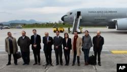 반군단체 콜롬비아무장혁명군과 협상을 위해 16일 오슬로행 비행기에 오르는 콜롬비아 정부 대표단.