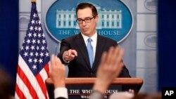Las sanciones van dirigidas a 271 empleados del Centro Sirio de Estudios Científicos e Investigación. El secretario del Tesoro Steven Mnuchin también habló de la reforma fiscal.