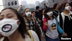 10月28日宁波居民游行反对扩建化工厂