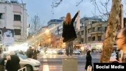 مریم شریعتمداری از دختران خیابان انقلاب معترض به حجاب اجباری