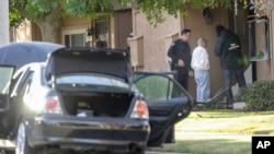 Autoridades encontraron en la vivienda de la pareja de sospechosos bombas caseras y material para fabricar más.