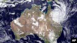 په استرالیا کې تر ټولو سخت توپان راغلی