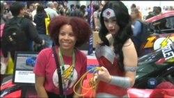 Жінки-коміки зібрались у Нью-Йорку, щоб нагадати світові про їхню роль та статус на ринку комічних героїв. Відео