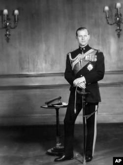 Hoàng tế Philip. Ảnh chụp năm 1956 (AP)