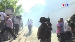 İsrail Polisinden El-Aksa'daki Kalabalığa Müdahale