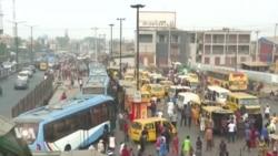 """Interdiction des taxis-motos à Lagos : aller au travail est devenu un """"enfer"""""""