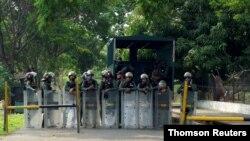 Las fuerzas del orden permanecen en guardia después de que se registrara un motín en la penitenciaría de Los Llanos, el pasado 1 de mayo.
