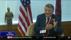 Ekrem Bardha: Thirrje shqiptarëve mos të braktisin vendin