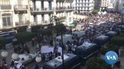 Un millier d'enseignants et d'élèves manifestent à Alger