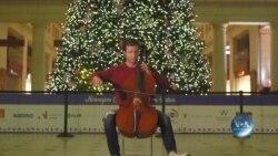 Для святкового настрою: трохи музики від американського віолончеліста Ендрю Савої. Відео