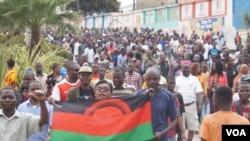Abari mu myiyerekano biyamiriza itorwa rya perezida Peter Mutharika muri manda ya kabiri. Lilongwe