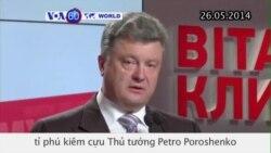 Tỉ phú Poroshenko dẫn đầu cuộc bầu cử tổng thống Ukraine (VOA60)